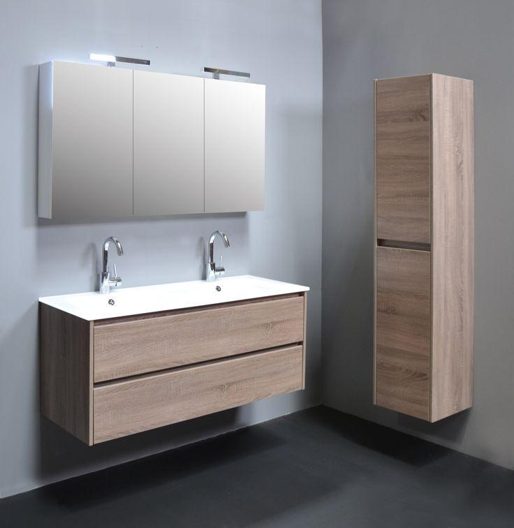 25 beste idee n over badkamer spiegelkast op pinterest opslag spiegel badkamer spiegels en - Glas betegelde badkamer bad ...