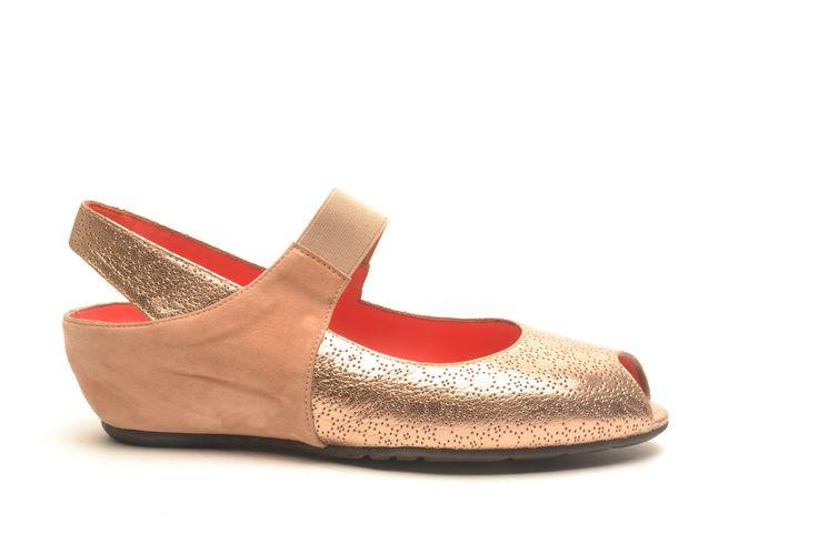 #pasderouge #shoes #summer #suede #golden #metallic #sandal #classic