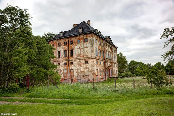 Schloss Rossewitz (D) May 2014 abandoned castle in the former East Germany urbex decay DDR GDR kasteel Photo by: Jascha Hoste