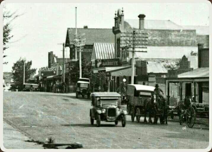 Whitehorse Rd,Box Hill, Victoria.Circa 1920's.