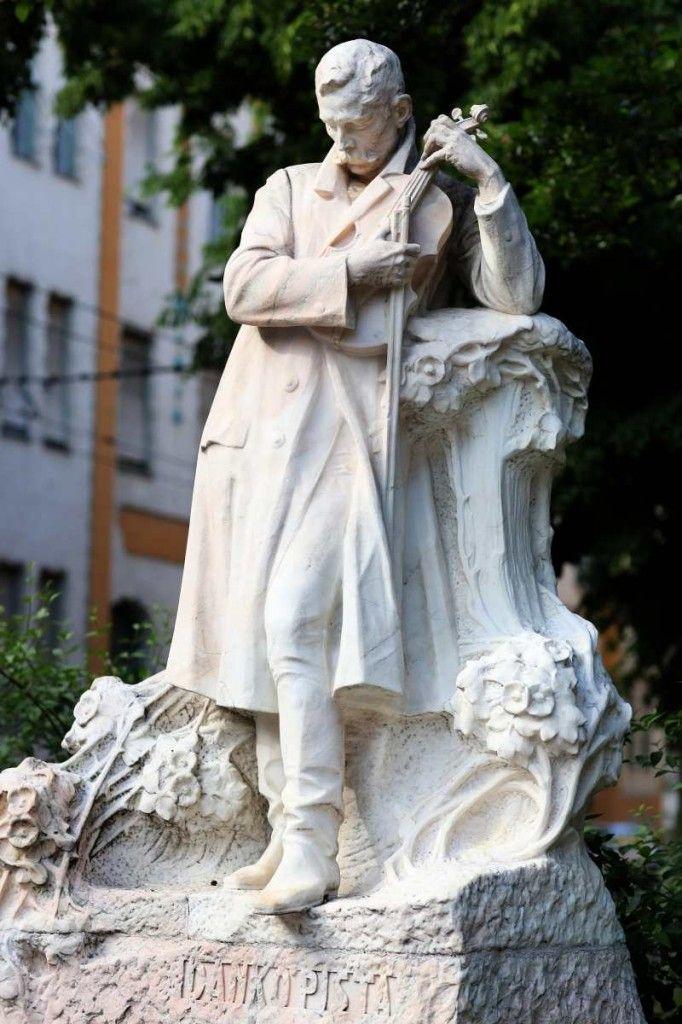Danko Pista szobor - Szeged  Famous gypsy violinist statute, Szeged, Hungary