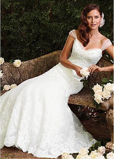 Chic Tulle & Satin Sweetheart Neckline A-line Wedding Dresss With Beaded Lace Appliques
