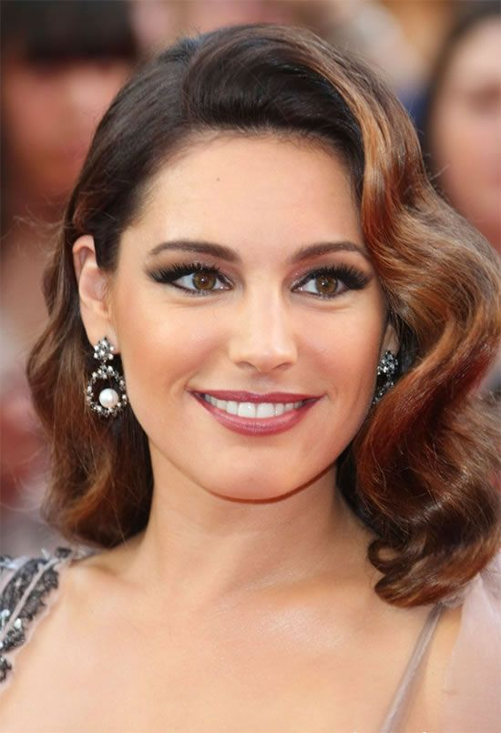 American Actress Kelly Brook: I'm Not Engaged