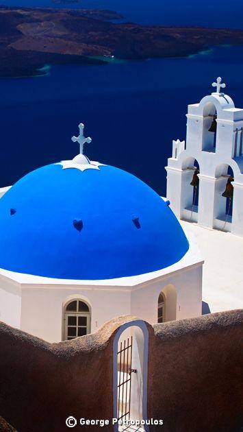 Holidays in Santorini island Greece. #dreamingreece #santorini #greece #travel #travelguide #vacation #holidays #destination #beaches #greekbeaches #photography #greekislands