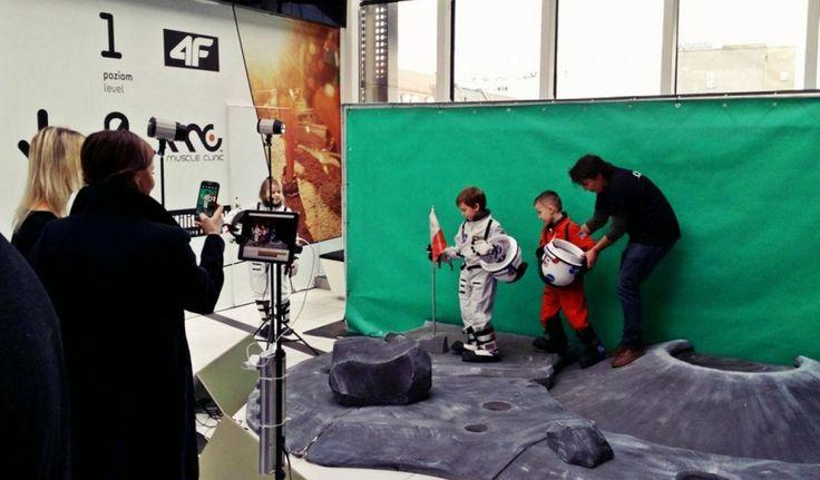 """Kosmiczna impreza poprzedzająca premierę animowanej komedii dla całych rodzin """"Odlotowa Przygoda""""; 31 stycznia 2016, poziom +2 #GaleriaKatowicka #OdlotowaPrzygoda http://bit.ly/1NfSgim"""
