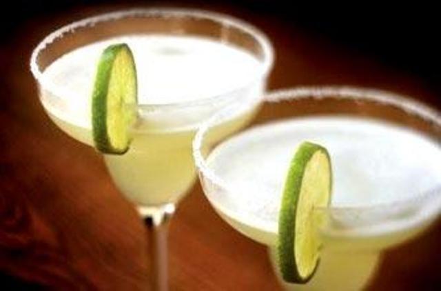 Διαβάστε τη συνταγή για Cocktail Μαργαρίτα και πάμε να φτιάξουμε μαζί το καλύτερο Cocktail με Tequila (Τεκίλα).