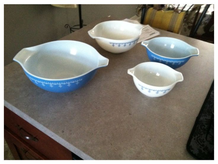 Pyrex set from Cool and Collected Antiques. $30 deal.