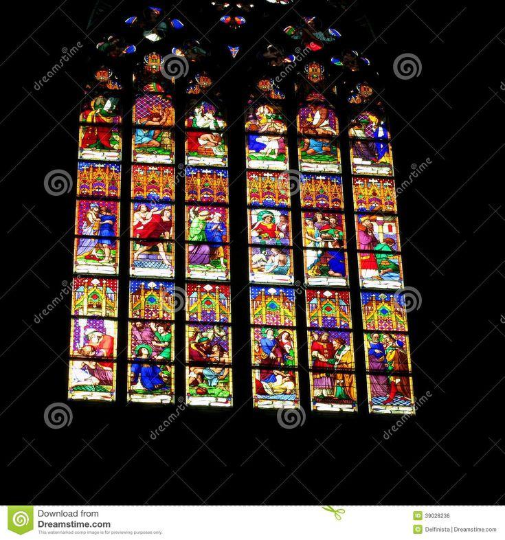 Het Venster Van Het Kerkgebrandschilderde Glas - Pasen-Voorraadfoto's - Downloaden van meer dan 43 Miljoen hoge kwaliteit stock foto's, Beelden, Vectoren. Schrijf vandaag GRATIS in. Afbeelding: 39028236