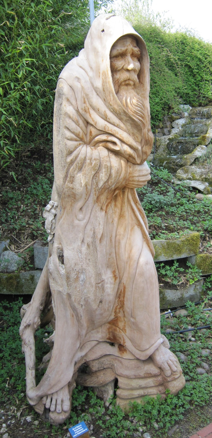 Can anyone help me identify the original pinner or where this sculpture might be located?  This looks exactly like my dad and I would love more information.