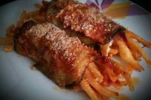 Involtini di melanzane con pasta al sugo :-) #pasta #cookingathome