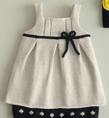 Modèle robe à noeud en coton layette