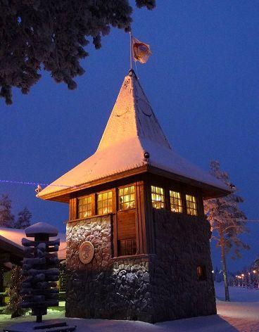 Natale: il presepe, l'albero e il villaggio di Santa Claus. Un po' di storia e bellissime foto  http://pilloline.altervista.org/natale-presepe-albero-santa-claus/