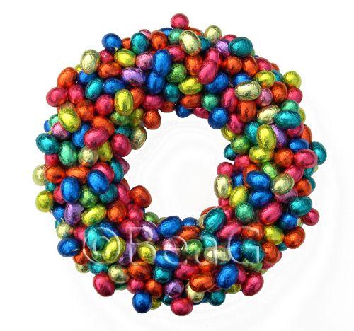 chocolate eggs wreath.: Chocolates Candy, Easter Spr, Chocolates Wreaths, Easter Wreaths, Chocolates Easter, Easter Eggs, Candy Wreath, Eggs Wreaths, Chocolates Eggs