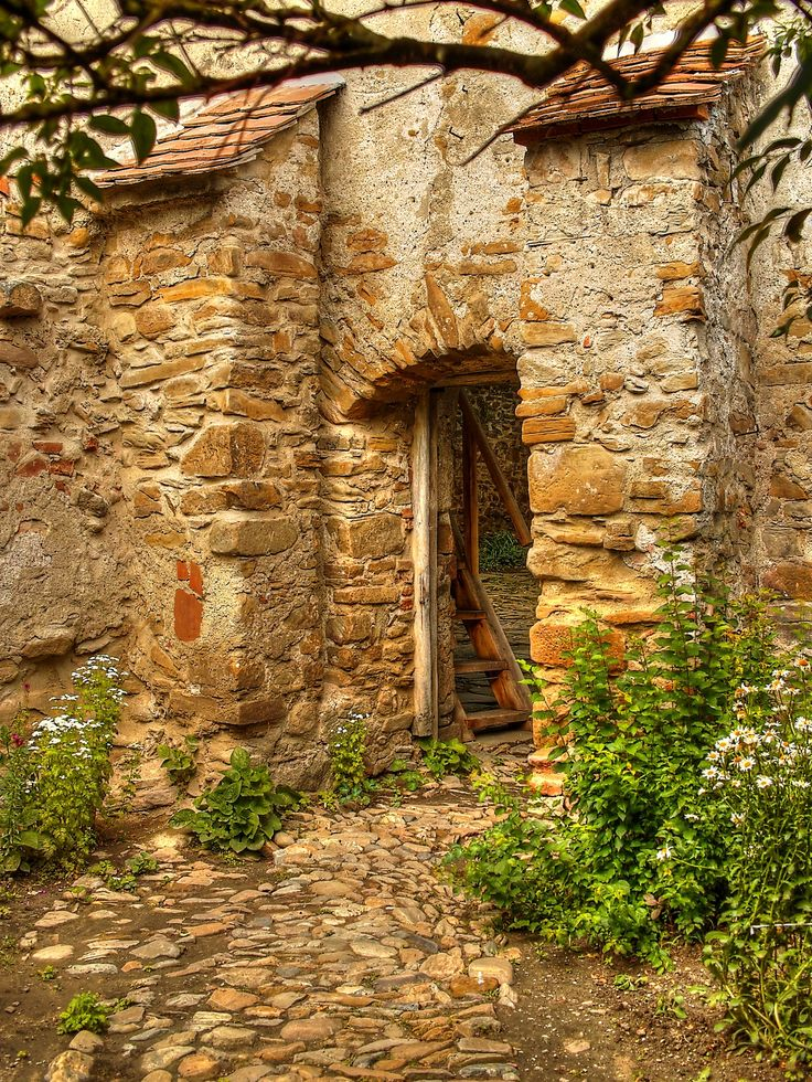 https://flic.kr/p/tQMWUE   Biserica fortificata Cincsor
