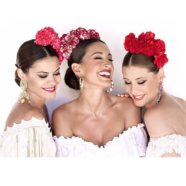148 Likes 8 Comments Glamstyle Daily Glamstyle Daily On Instagram Flamenco Beauty Style Inspir Spanish Hairstyles Flamenco Dress Spanish Dress