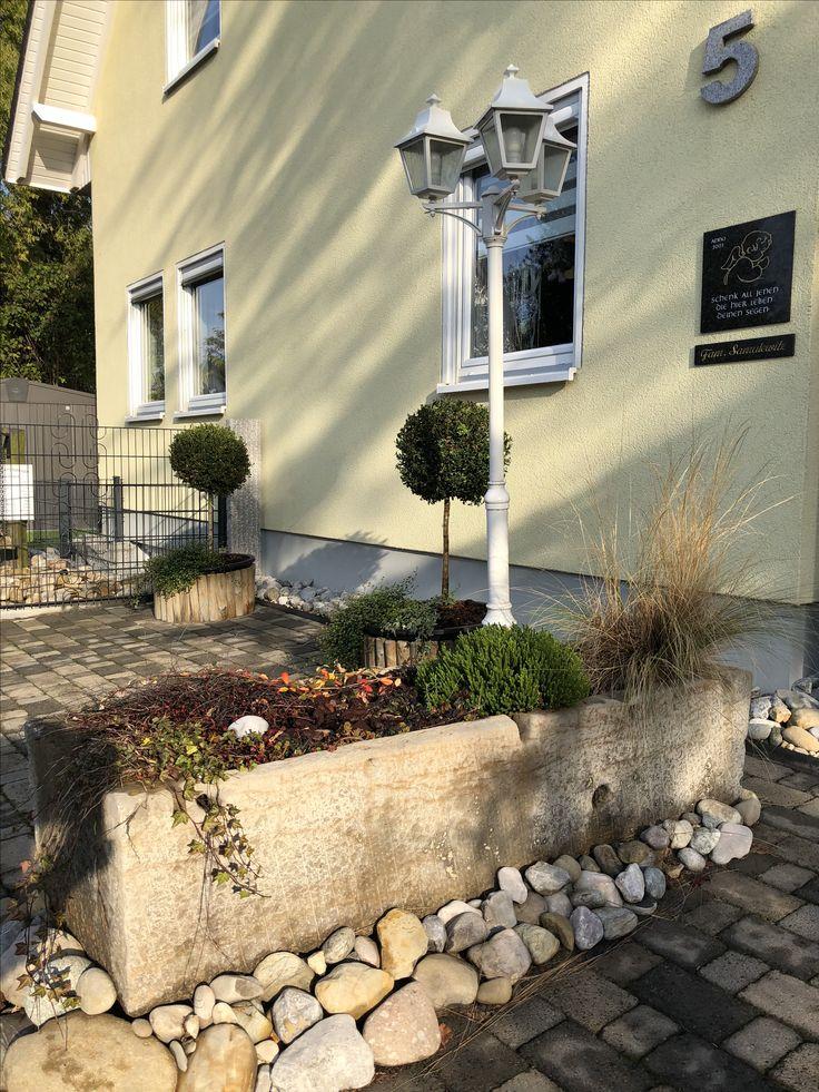 www.steinmetz-rheinbach.de  #Natursteintröge, #SteinmetzSamulewitz, #Gartenbrunnen, #GardenStones