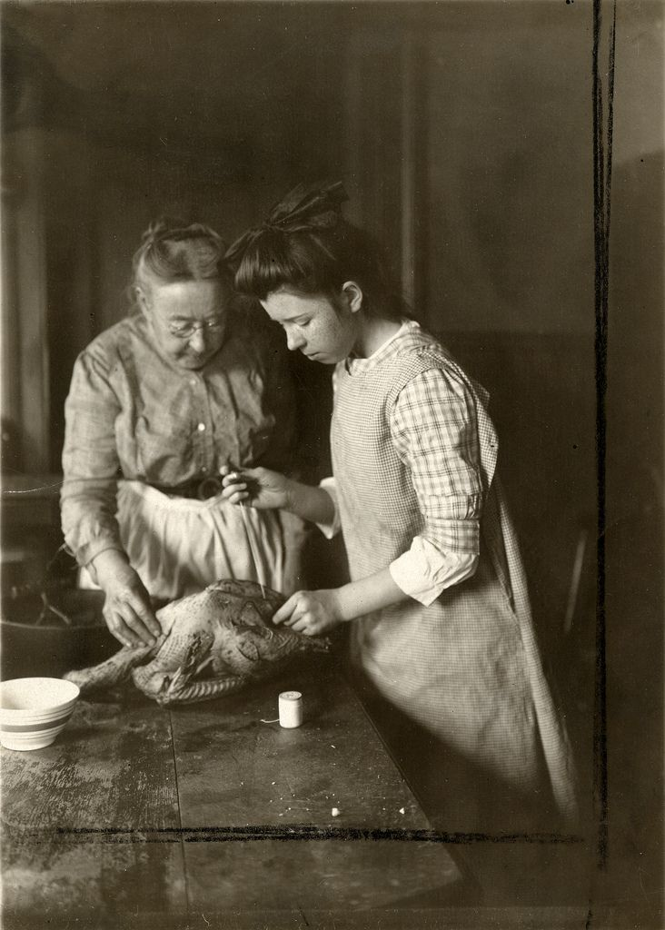 How to prepare a chicken. 1915:
