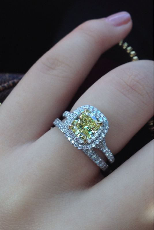 MY engagement ring, but with the canary diamond! #Tiffany Soleste #engagementring #weddingband