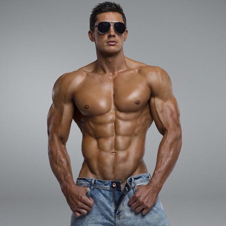 bodybuilder escort gay escort italia top