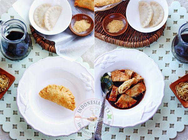 Indonesian Fish and Seafood: Pempek Pistel (Palembang Stuffed Fish Cake with Green Papaya)