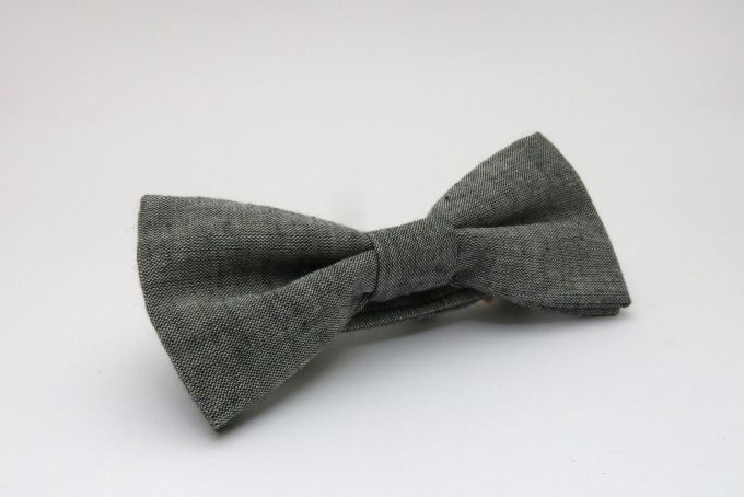 pre-tied bow tie, grey by Bow Peep