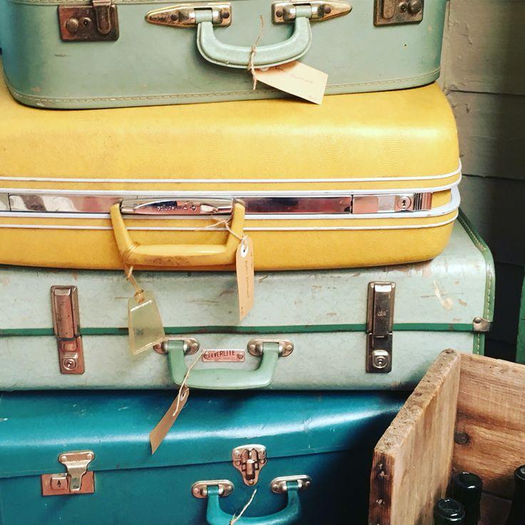 Retro suitcases @rustemporium