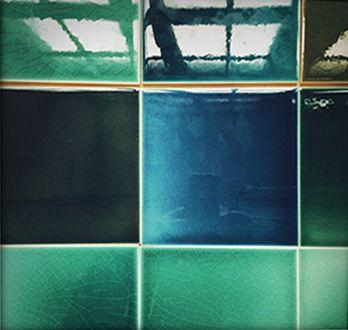 GOLEM Kunst und Baukeramik GmbH | Geschöpfte Glasuren | Golem – In Handarbeit gefertigt. #Shower #Kitchen #Bathroom #Architecture #ArtNouveau #ArtDeco #Design #Tiles #Interior #ceramics #OldTiles #AlteFliesen #NeuesdurchTradition #GOLEMtiles #Architecturalceramics http://www.golem-baukeramik.de https://www.facebook.com/GOLEMceramics/ https://www.instagram.com/golembaukeramik/