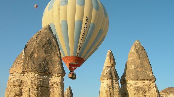 Love Valley Turki - Bentuk Bukit Ini Unik, Ratusan Balon Udara Terbang Setiap…