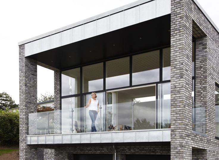 When VELFAC-200 meet modern architecture, it creates a contemporary design that is remarkable.