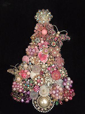 VINTAGE-JEWELRY-FRAMED-ART-CHRISTMAS-TREE-PINK-CREAM-RHINESTONE-TRUE-VINTAGE