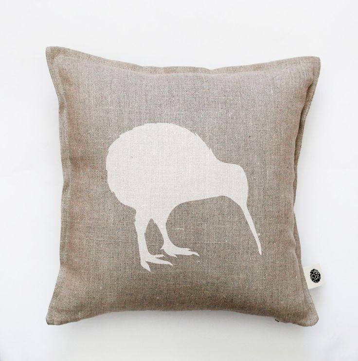 Kiwi bird pillow cover - decorative pillow - kiwi pillow - New Zealand national…