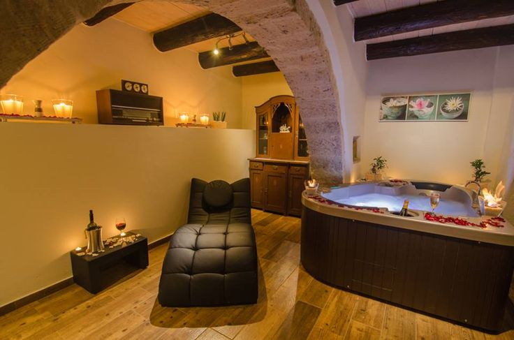 At #Angelos #Luxury #Residence and #Spa, perfect #relaxation meets #traditional taste and #modern #decoration! Located in #Archontiki #village, near #Rethymno, Angelos Residence is the ideal place to #enjoy the #sun and amazing #sea #view from the roof #terrace and have a soothing #massage afterwards! Spoil yourselves...just a little bit!