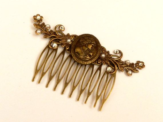 Hair comb with cameo and flower tendrils bridal by Schmucktruhe