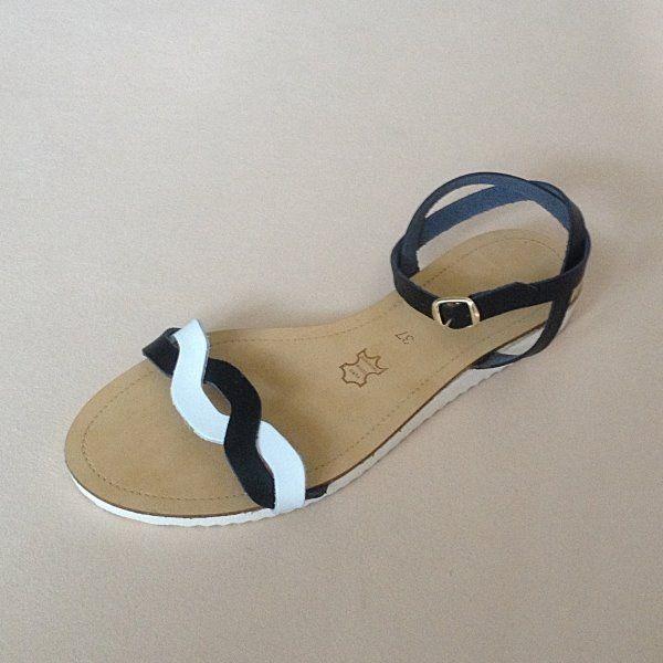Greek Sandals (Δερμάτινα :: Πέδιλα, Σαγιονάρες, Παντόφλες) @ www.GreekShoes.Net > Κωδικός: 260.504 > Μεγέθη: Νο.35-Νο.41 (τιμή 30€) & Νο.42-Νο.45 (τιμή 40€) > Σόλα: Σφήνα ή Φλάτ   Λευκή ή Μπέζ > Χρώματα: Μαύρο-Άσπρο, Μαύρο-Χαλκός, Ταμπά-Χρυσό