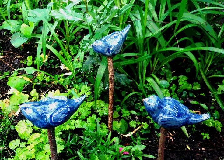 Kék madarak / Blue birds  www.mesekeramia.hu  #mesekerámia #kertidísz #madarak #fairygarden