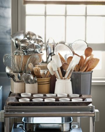 love this collection of collections... need more room on my kitchen counter for that... on my someday kitchen island