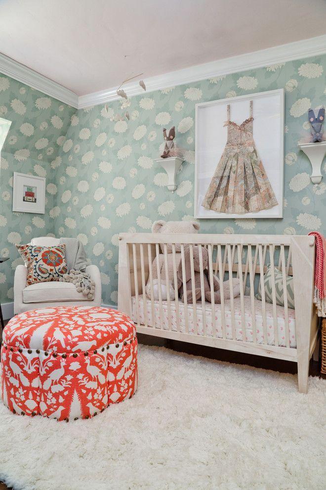 Выбираем обои для детской комнаты девочки: 85+ фото избранных идей и основные рекомендации http://happymodern.ru/oboi-dlya-detskoj-komnaty-dlya-devochek-foto/ Нежно - голубые тона в комнате маленькой леди