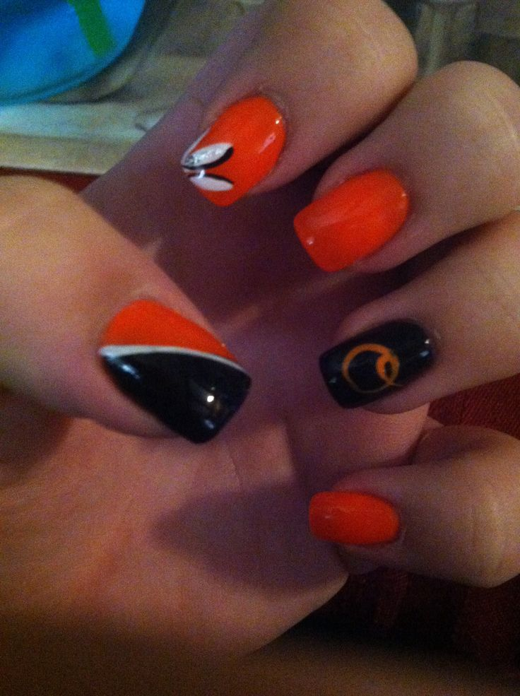 My orioles nails❤️⚾️❤️⚾️❤️⚾️❤️ love them