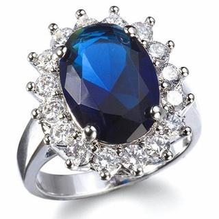 gorgeous blue ring...reminds me of Princess Diana's wedding ring.