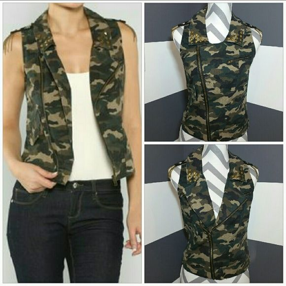 """Army print vest NWOT Brand new, no tags  Fun army print vest!! Tops of details all over. Studs on collar, patch and chain details on shoulders, 1 pocket on right side,zipper pocket on left side. Pair with a dress, or over a collared shirt with jeans, even with white shorts, t-shirt and flats. The style options are endless!!!  Size medium  Material 100% cotton Length approx 21"""" Bust seam to seam approx 18"""" (when zipper closed) Jackets & Coats Vests"""