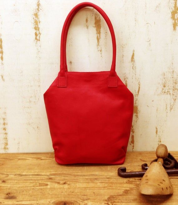 WOMEN'S GIFT!!! Red leather purse, crossbody #bagsandpurses @EtsyMktgTool #leath…