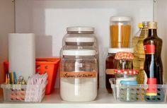 Armários caóticos? Fios expostos? Veja esses e outros erros de organização e aprenda a manter a casa sempre em ordem.