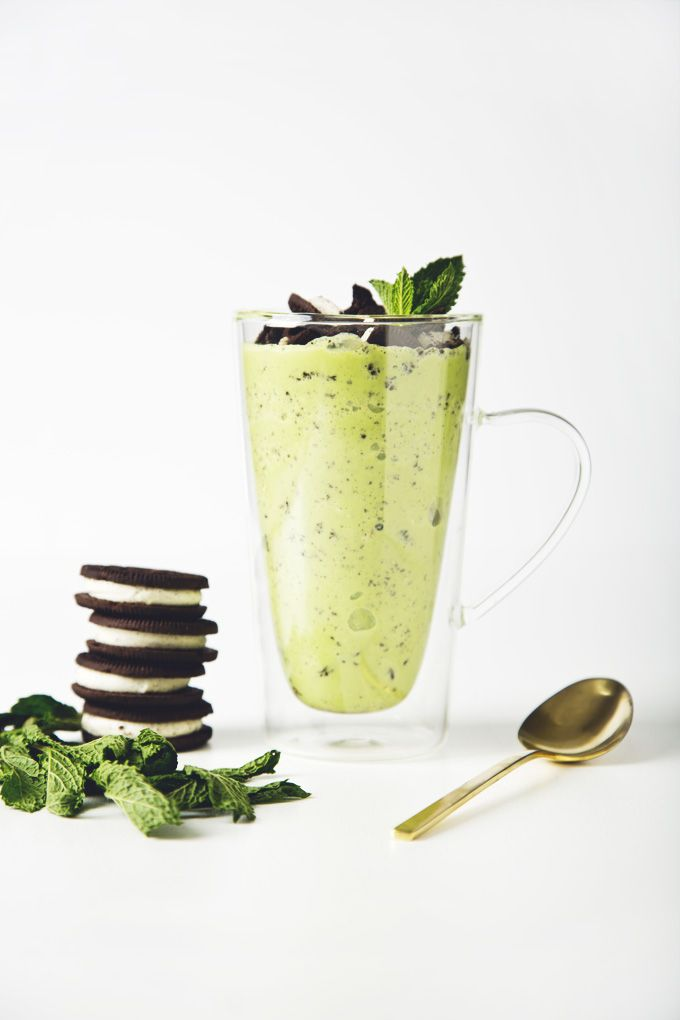 This vegan mint Oreo blizzard is just as delicious as the original, but much healthier! All you need are 2 ice cube trays, 8 ingredients & a blender. Easy!   picklesnhoney.com