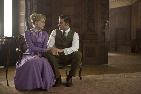 Still of Katie McGrath and Oliver Jackson-Cohen in Dracula (2013)