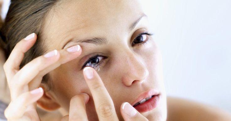 ¿Cómo puedo saber si los lentes de contacto blandos se encuentran al revés?. Actualmente, llegan nuevas oleadas en la creación de lentes de contacto blandos cada día, así que casi cualquiera puede usarlos sin importar cualquier padecimiento ocular que pueda sufrir. Tu oculista debería, desde luego, darte un curso intensivo en insertar y retirar tus lentes; incluyendo una explicación de cómo saber cuando se encuentran al ...