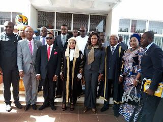 Why Anambra 6th Assembly Can't impeach Governor Obiano    By Okechukwu Onuegbu  Although the recent letter sent to Anambra State House of Assembly by the factional Chairman of Peoples Democratic Party (PDP) Prince Ken Emeakayi calling for impeachment of Governor Willie Obiano has continued to generate negative and positive reactions from people the lawmakers who are 30 in number; 28 stalwarts of All Progressives Grand Alliance (APGA) and 2 PDP members have feigned ignorant of the whole…