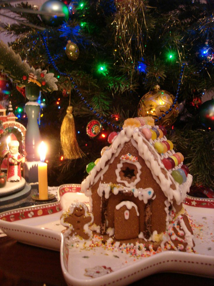 https://flic.kr/p/QtJqo9   Gingerbread house