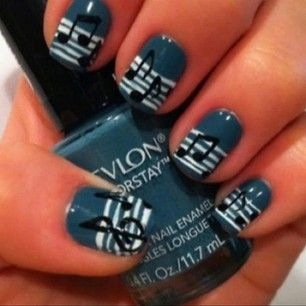 Music Nail Art, I as a band geek appreciate this.