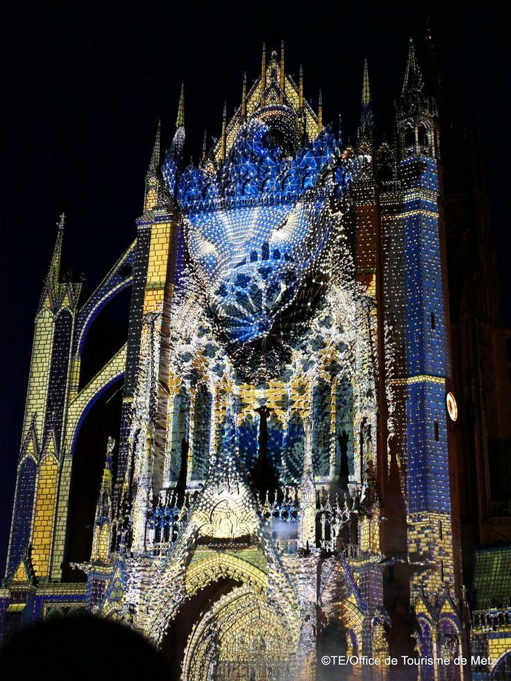 Lux animae_Ezekiel_Constellations 17©TE_Office de Tourisme de Metz (54) Mapping projeté sur la façade occidentale de la Cathédrale Saint Etienne.  Constellations 2017   Pour en savoir plus sur le programme estival :