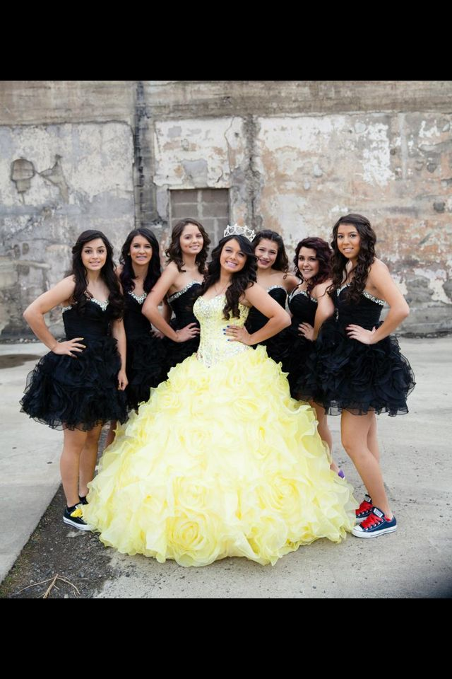 Chloe And Her Damas Pretty Quinceanera Dresses Sweet 15